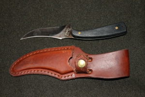 The Schrade Sharpfinger - The Ideal Woodman's Knife